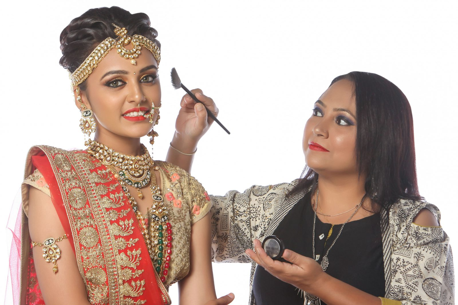 Become A Successful Makeup Artist